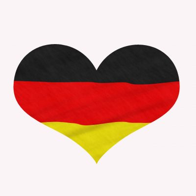 Konsumenten vertrauen Angeboten aus Deutschland mehr als anderen - daher sollte man sich mit deutscher Domain präsentieren