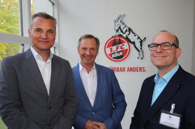 Frank Sahler, 1. FC Köln, Jürgen Linnenbürger und Henning Fretzdorff, Vorstand Marketing Club (v.l.n.r.).  Foto Michael Helmkamp
