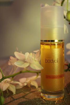 """Body Oil """"white peach meets vanilla"""""""