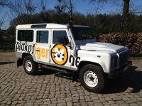 Der Plakatier-Defender ist deutschlandweit als Promotion-Fahrzeug im Einsatz.