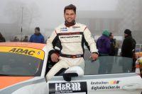 Fidel Leib aus Wangen im Allgäu mit seinem neuen Porsche Cayman und dem ProSport Performance Team