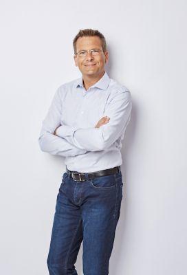 Unter seiner IT-Expertise wurde der Relaunch von relations vollzogen: Berater Roy Datschewsky