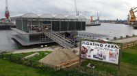 Deutsches Tierschutzbüro veröffentlicht Drohnenaufnahmen von schwimmendem Kuhstall in Rotterdam