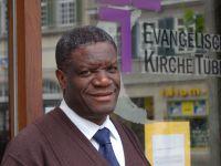 Der kongolesische Gynäkologe Dr. Denis Mukwege bei seinem Besuch beim Difäm in Tübingen im Jahr 2010