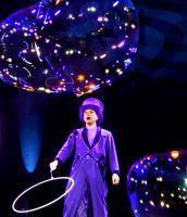 Künstler für Events verzauberte mit seiner Seifenblaenshow