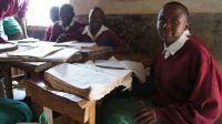 Die Schüler in Nzaikoni freuen sich auf neue Lehrbücher und renovierte Klassenräume.