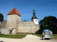 Schnieder Reisen: Das Baltikum per Rad entdecken ! Bernd Strecker (Schnieder Reisen) fotografierte die Tallinner Stadtmauer