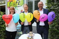Foto: (v.l.n.r.) Sylvia Schikker (SOS Kinderdorf), Moritz Stich (Wäscherei Stich) und Ulrich Heim (Dorint City-Hotel Bremen).
