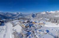 Hotel Peternhof inmitten der Winterwelt des Kaiserwinkls in Tirol, © Hotel Peternhof
