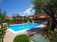 Villa Olivella mit Pool nur 350m vom Strand entfernt und nahe an Cefelù in Sizilien