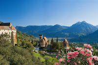 Das Dorf Schenna, Südtirol – Hotel Tyrol