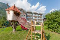 Der großzügige Kinderspielplatz des Hotels – Familienhotel Heidi