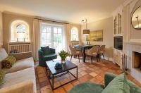 Herbsturlaub mit Kaminfeuer auf Sylt: Hansenhoog präsentiert in Kampen renovierte Apartments unter Reet