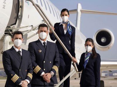 Flugzeug und Besatzung der Hibernian Airlines