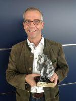 """Hotel Fire & Ice Düsseldorf/Neuss - Martin Östreich, Bereichsleiter Gastronomie & Vertrieb mit """"Best-Hotel 4**** Superior""""-Award"""