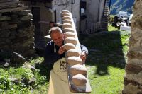 Kulinarisches Kulturgut: 59 heiße Brot-Öfen und Markt der Herbstschätze