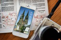 Darf nicht im Reisepäck fehlen: Smartphone mit iDom-App