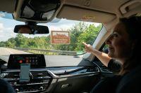 Der Erlebnisguide erzählt bereits während der Fahrt Wissenswertes und Interessantes zu den braunen Tafeln an der Autobahn.