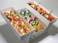 Edles Sixpack: Sechs Gänge für sechs Personen bietet die Riesenrad-Foodbox von Stockheim.