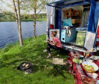 PlugVan macht Camping einfach - in 5 Minuten vom Kastenwagen zum komfortablen Camper