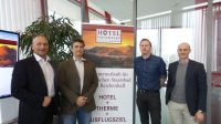 Geschäftsführer - stv. Kurdirektor Dirk Sasse,IRS 18 Georg Rechler,Makrohaus Projektleiter Christoph Hünseler & Dominik Hillebrand