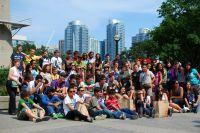 Lernen und Freizeitspaß: Jugendgruppe in Toronto