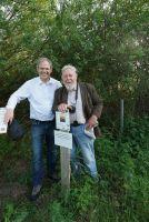 Rolf Seelige-Steinhoff und Prof. Dr. Michael Succow bei der Übergabe der Zustiftung