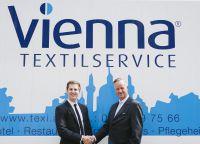 Philipp Nagel, Geschäftsführer der Vienna Textilservice GmbH und Karsten Jeß, Hauptgeschäftsführer der Servitex GmbH (v.l.n.r.).