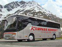 Moderne und komfortable Omnibusse in Reise- und Fernreiseausstattung