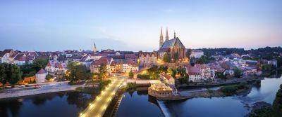 Görlitz: Altstadt-Panorama. Blick über die Altstadtbrücke mit Görlitzer Peterskirche©Nikolai Schmidt
