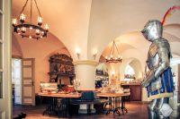Sich rüsten für die Weihnachtszeit im Wasserschloss Mellenthin