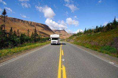 Unterwegs mit dem Wohnmobil in den Weiten Kanadas. Credit: Newfoundland and Labrador Tourism