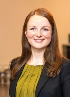 Mag. (FH) Manuela Wiesinger, Consultant der conos gmbh.