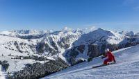 Dolomiti Italy Skiresort Obereggen- Skispass in Obereggen im sonnigen Südtirol. Foto Paolo Codeluppi