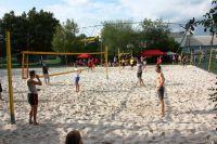 Strandgefühl: Mit feinem Quarzsand und heißen Rhythmen holt der KLB-Beachvolleyball-Cup den Sommer ins CaLevornia.