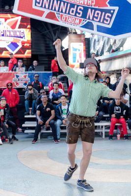 Der Favorit Sören Knauft bei der Sign Spinning Weltmeisterschaft in Las Vegas
