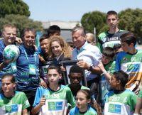 F4F-Programm stellt neuen Guinness Rekord auf: Fußballunterricht mit den meisten internationalen Teilnehmern