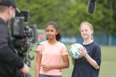 """""""F4F"""" lädt Kinder aus aller Welt zu einem Sportkommentator-Wettbewerb ein (Quelle: AGT/Football for Friendship)"""