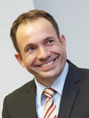 Prof. Dr. Bernd Giezek
