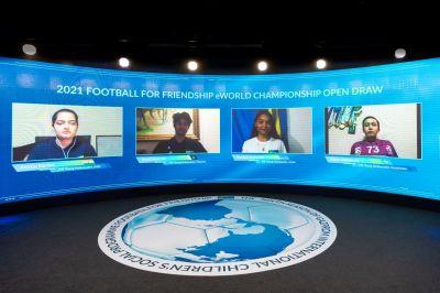 Am Tag des Fußballs 25. April fand die Online-Auslosung der Teams statt. Bild: Football for Friendship