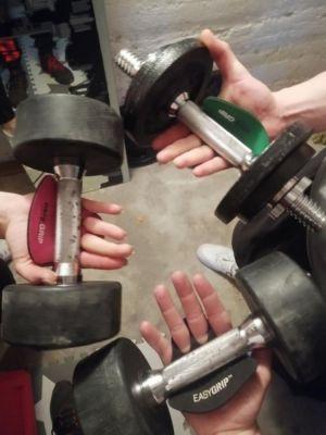 EASYGRIP Fitness Grip Pads sind Fitness-Handschuhen überlegen (© EASYGRIPSPORT ©Laura https://www.instagram.com/lue_91/)