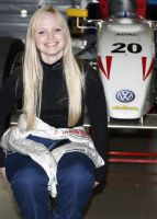 Tina Arbinger - die Racinglady auf dem Weg in den Motorsport