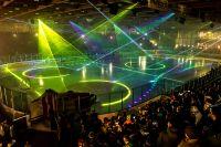 LPS Lasermapping auf dem Spielfeld in der CHG Arena vor dem Eishockey-Spiel der Towerstars Ravensburg