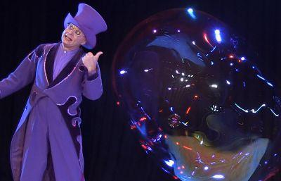 Unterhaltungskünstler Blub begeisterte mit seiner Seifenblasenshow