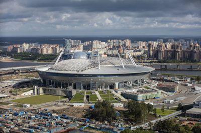 Krestowskij-Stadion Baustelle im Juli 2016 - Andrew Shiva, CC-BY-SA 4.0, https://commons.wikimedia.org/w/index.php?curid=50827445