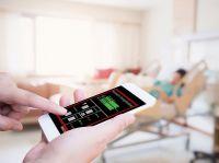Smartryx eignet sich für eine stille Alarmierung in Senioren- und Pflegeheime. Bild: © vege - stock.adobe.com