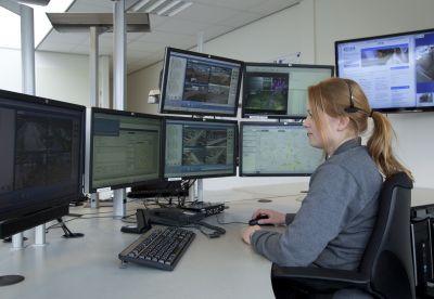 Alles im Blick: Geschulte Mitarbeiter haben die Baustellen rund um die Uhr im Blick. (Foto: MAIBACH, Velen)