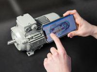 Bild (M): Intuitiver Zugriff auf Produktdaten des Digital Twin dank Augmented Reality. (@ Fraunhofer IGD, Siemens AG)