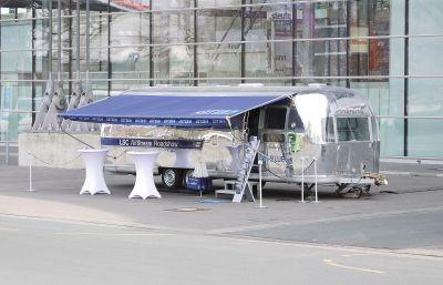 Ein Wohnwagentraum aus Aluminium. Der 72er-Airstream macht eine perfekte Figur für das neue LSC-AirSTREAM Schaltschranksystem.