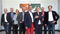 Das Führungsteam der ROELC Gehäusesysteme GmbH freut sich über das 30jährige Bestehen des Gehäusespezialisten.